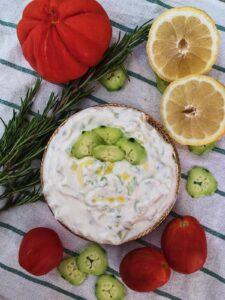 cetrioli e tzaziki con limoni di c